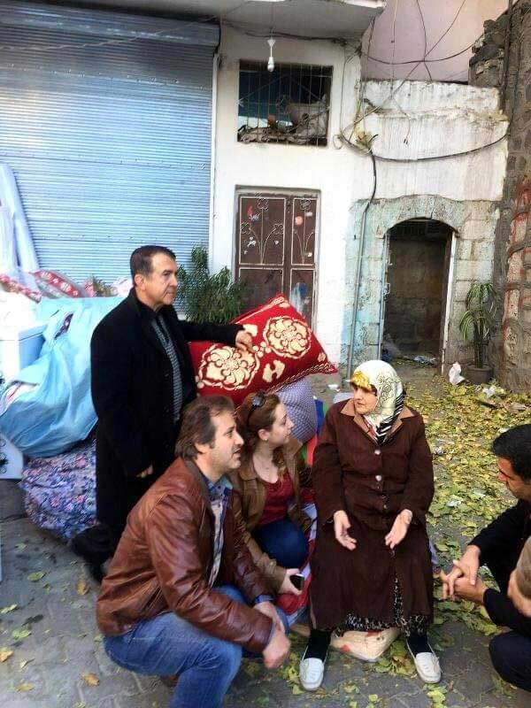 diyarbakir-sur-da-yasak-kalkti-catismalarin-i-7961064_x_o